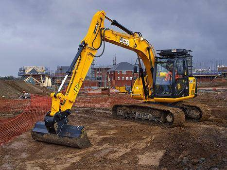 14 Ton Digger Hire in Stoke on Trent